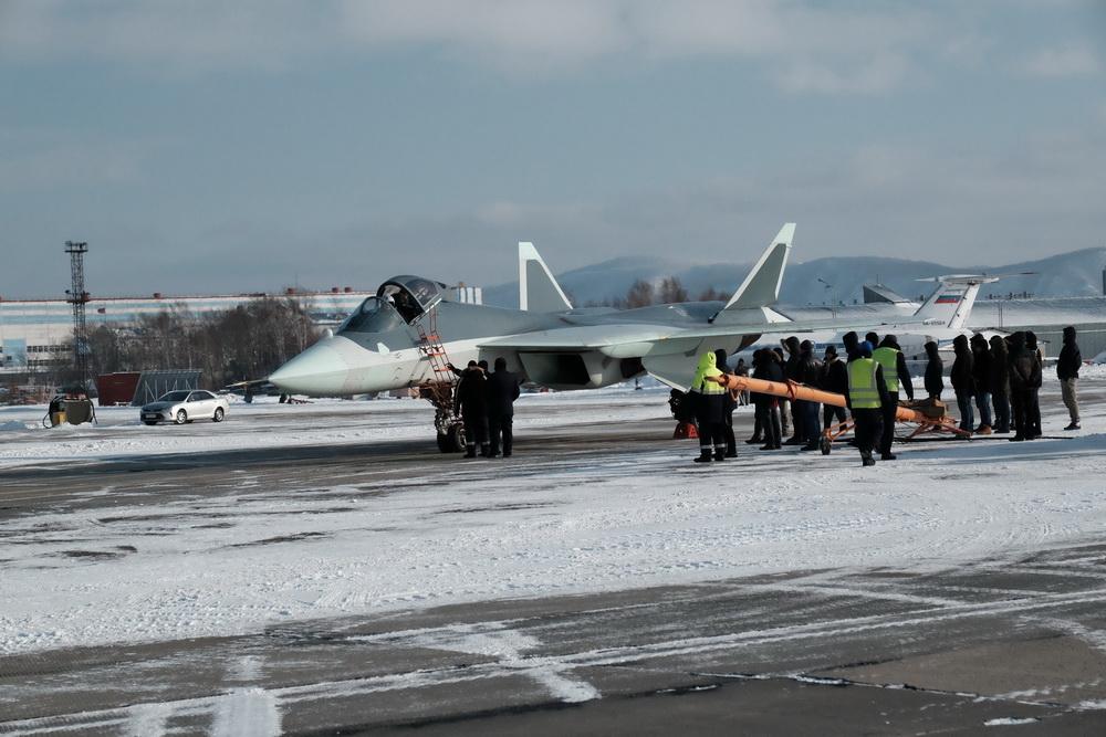 В России показали фото уникального истребителя пятого поколения ПАК ФА (Т-50)