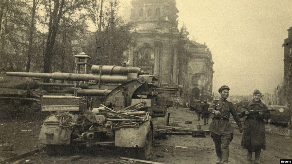 Кому брать Берлин? Как Сталин решил обогнать союзников