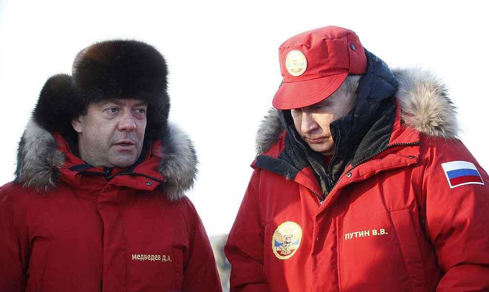 """""""Железные нервы,здоровые почки.."""": Медведев спустя месяц впервые ответил Навальному на обвинения в коррупции"""