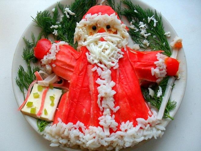украшение крабового салата на новый год