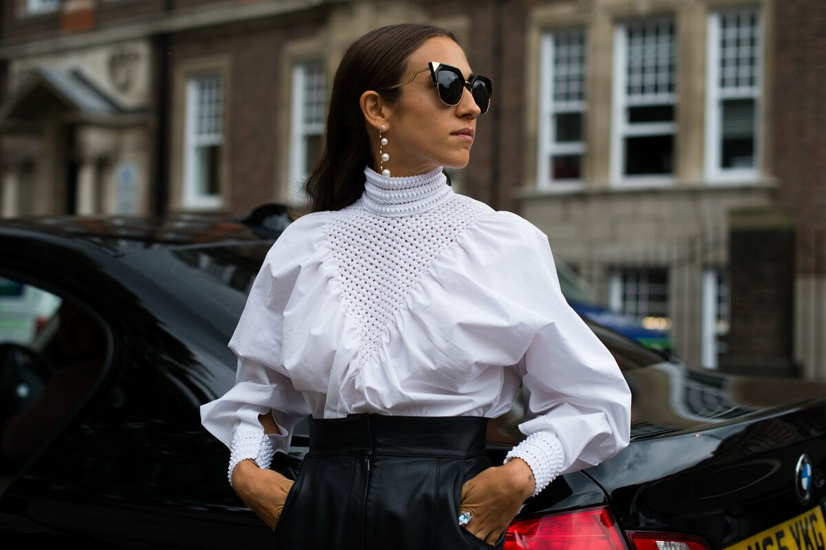 Какие блузки будут актуальны в предстоящем сезоне: тенденции + фото