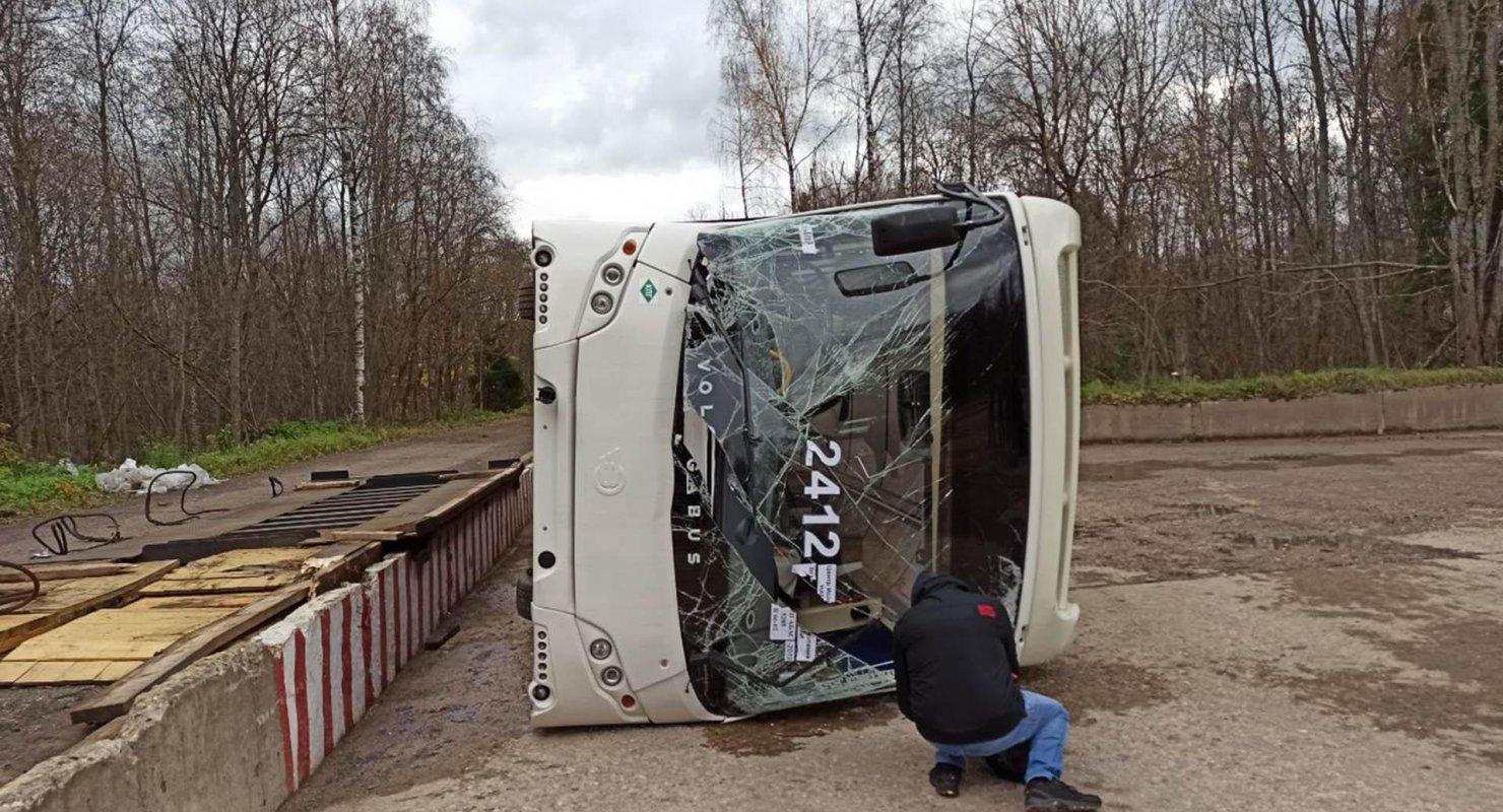 Автобусы в краш-тесте продемонстрировали низкий уровень безопасности Автомобили