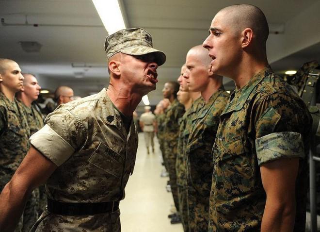 Есть ли дедовщина в американской армии?