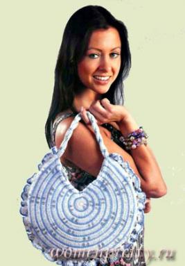 Две вязаные сумочки: круглая и в полоску