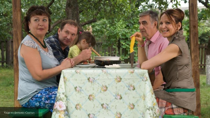 """Пиарщица Добронравова прокомментировала слухи о смене концепции сериала """"Сваты"""""""
