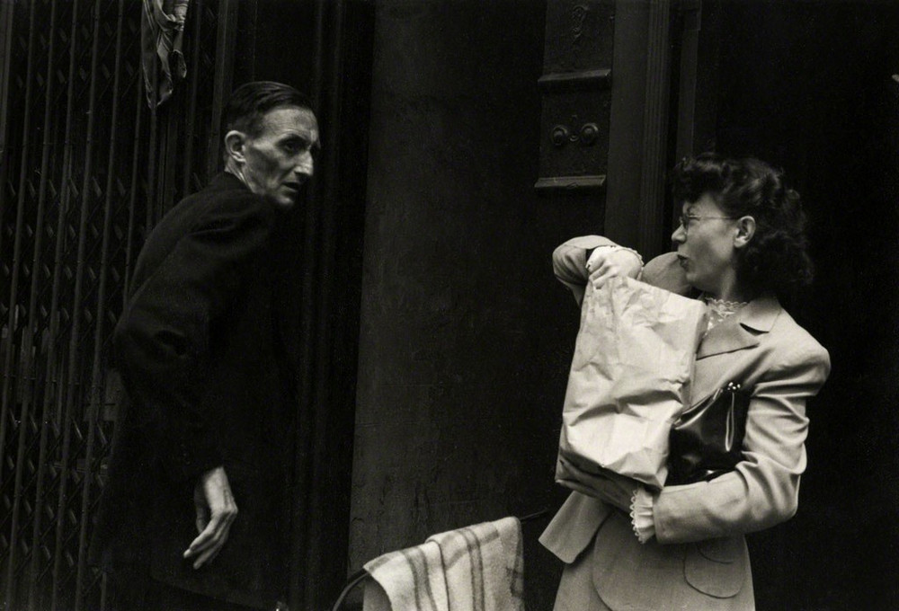 Уличная жизнь Нью-Йорка с 1930-х до 80-х годов в фотографиях Элен Левитт 34