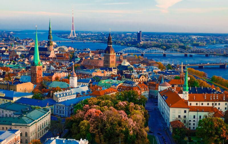 Замки, ведьмы, цеппелины, и не только: 11 поводов удивиться Литве