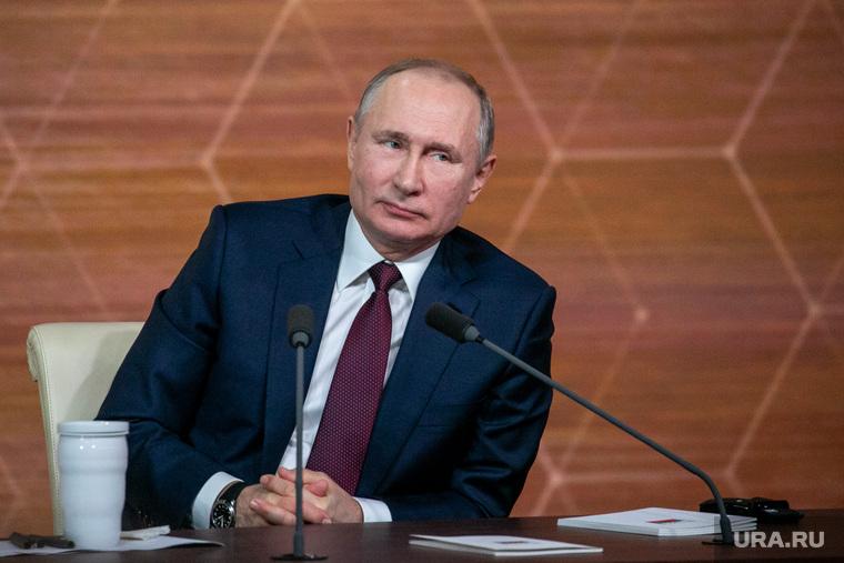 Сколько россиян хотят видеть Путина президентом
