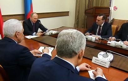 Путин призвал вернуть Дагестану статус региона-донора
