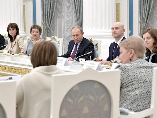 Путин объявил приоритет патриотизма над знаниями