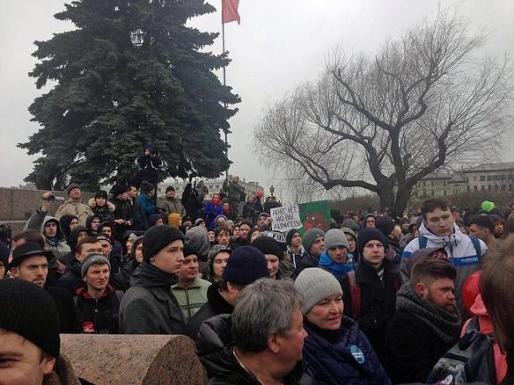 Всё смешалось кони,утки: Митинг за Путина и против коррупции в Питере