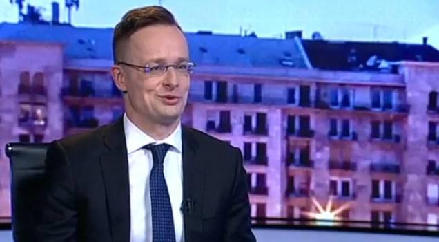 Глава МИД Венгрии привёл примеры лицемерия Запада по отношению к РФ