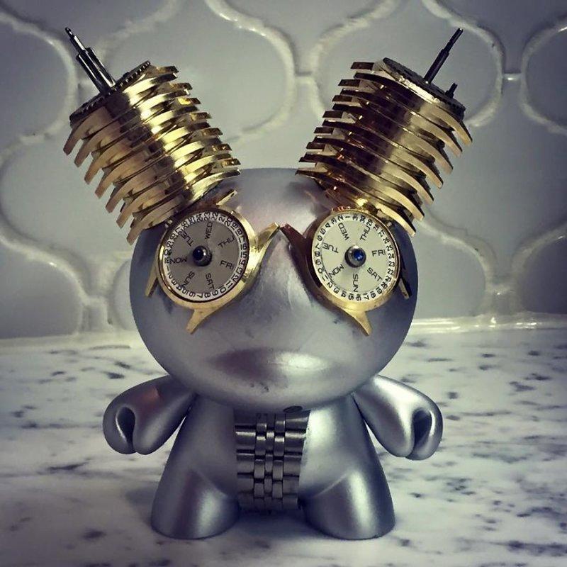 Стимпанк-скульптуры из деталей часов от Дэна Таненбаума
