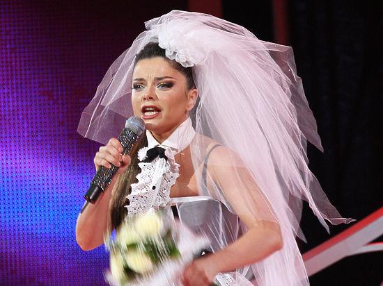 На концерте Наташи Королевой Николаев бежал от нее, роняя цветы...