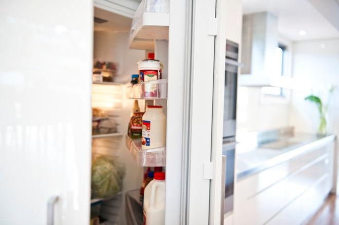 Современный Кухня by Liz Grimmett Design