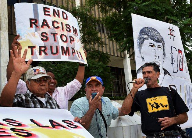 Письмо калифорнийским мечетям восхваляет Трампа и угрожает мусульманам геноцидом