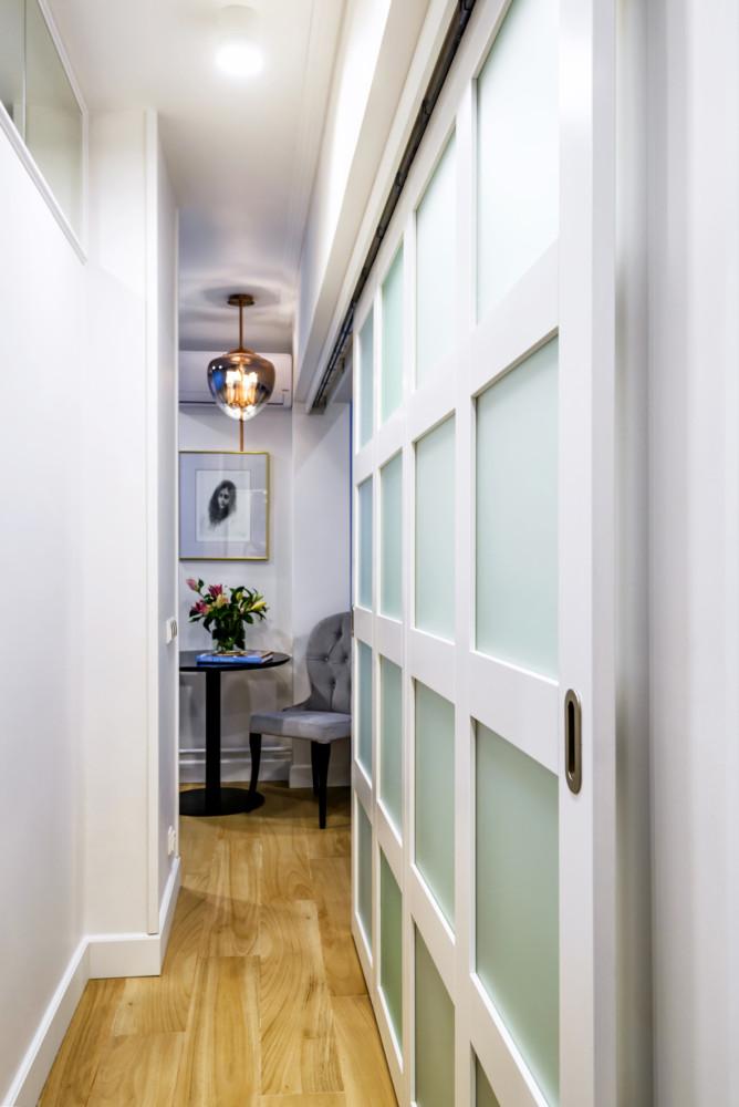 Интерьер маленькой квартиры в небесных тонах: 29 метров счастья