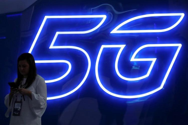 OPPO выпустит смартфон CPH2009 с поддержкой 5G и квадрокамерой новости,смартфон,статья