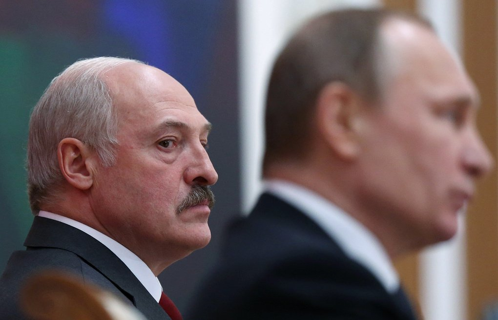 Под отвернувшимся от Москвы Лукашенко зашаталось кресло