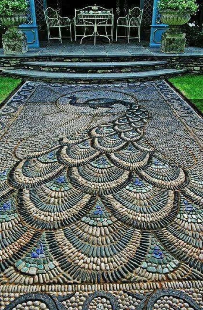 дорожка из камней в саду