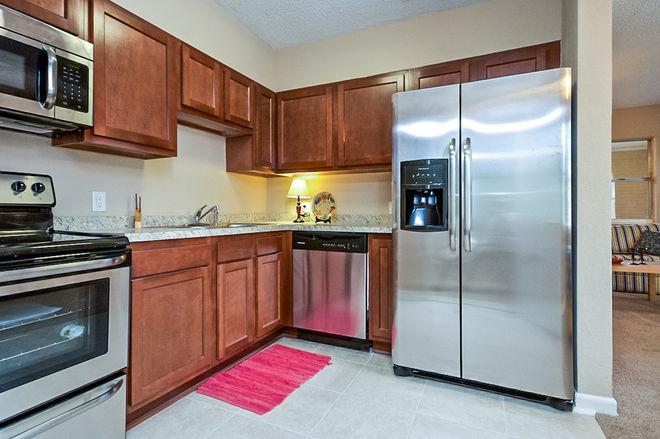 "Классический Кухня by Liz ""The Real Estate Wiz"" Bobeck"