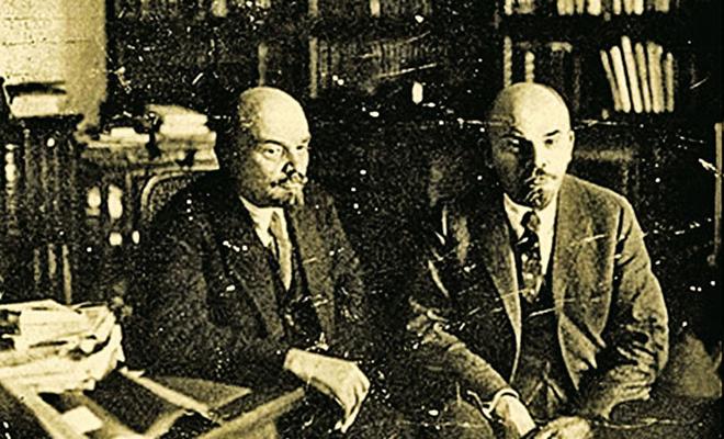 Историки предположили, что у Ленина был брат-близнец, а информацию о нем скрыл лично Сталин