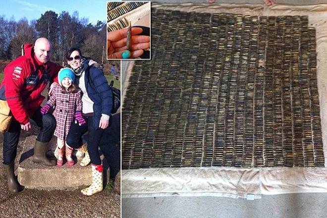 На магнитной рыбалке 6-летняя девочка случайно выловила из реки целый арсенал Англия,дети,оружие,Пространство,рыбалка