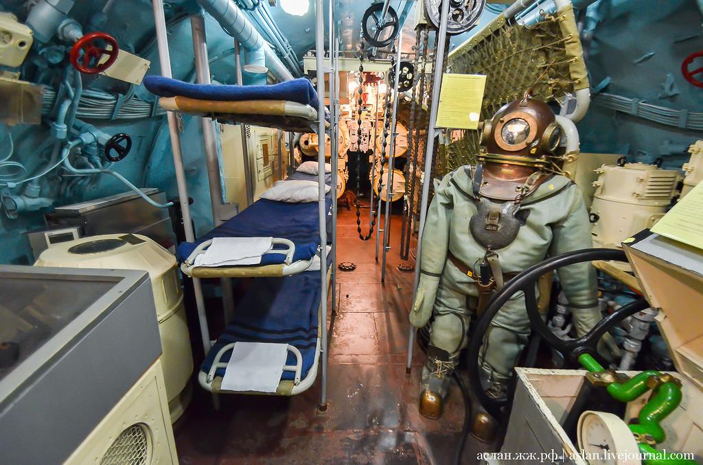 Служба на подводной лодке требования, большая жопа и молодой парень