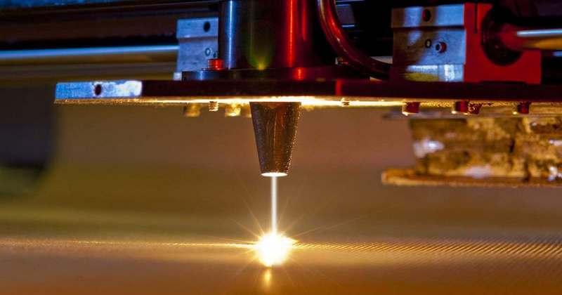 Революционная лазерная технология позволит сваривать металл со стеклом Гаджеты