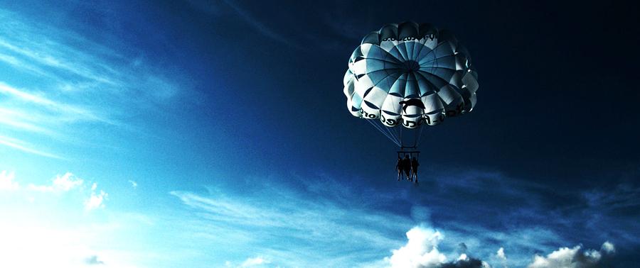 Почему каждому пассажиру не выдают парашют?