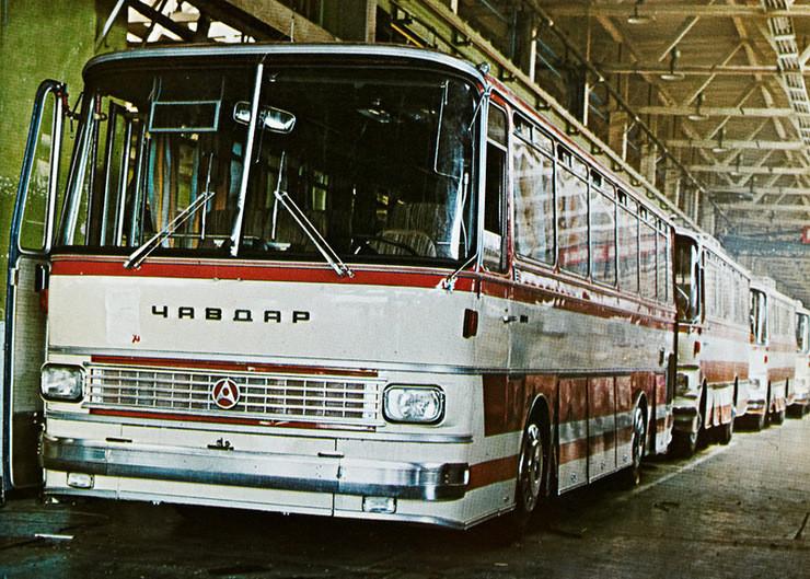 Но и с машиностроением в НРБ всё было неплохо: 1980е, Автобус Чавдар на заводе в Ботевграде: СССР, болгария, быт, история, это интересно