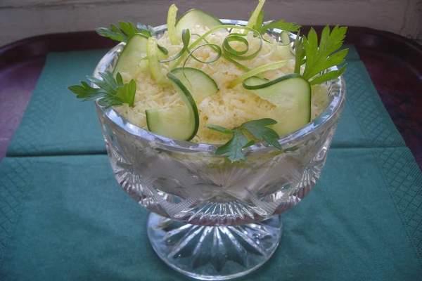 Слоеный салат-коктейль с вет…
