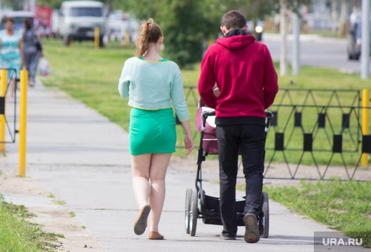 В Госдуме предложили уравнять в правах отцов и матерей