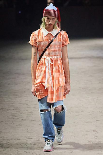 Никогда такого не было и вот опять: в сети обсуждают мужское платье от Gucci Новости моды