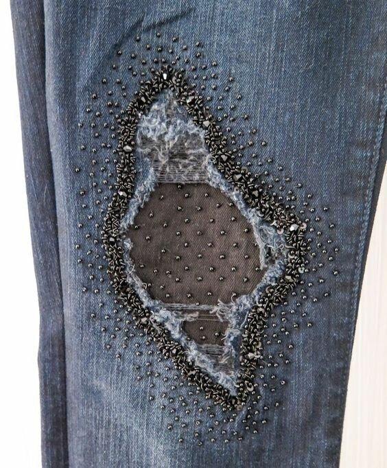 Декор дыр на джинсах: 11 фотоидей декор,мода,одежда