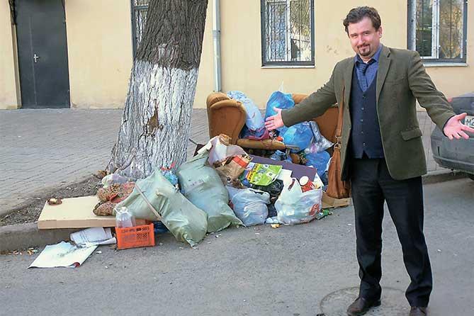 Как в регионах борются с мусорной реформой: Получается, что в Тольятти мусор копится сам по себе вне зависимости от того, проживают ли жители или нет россия