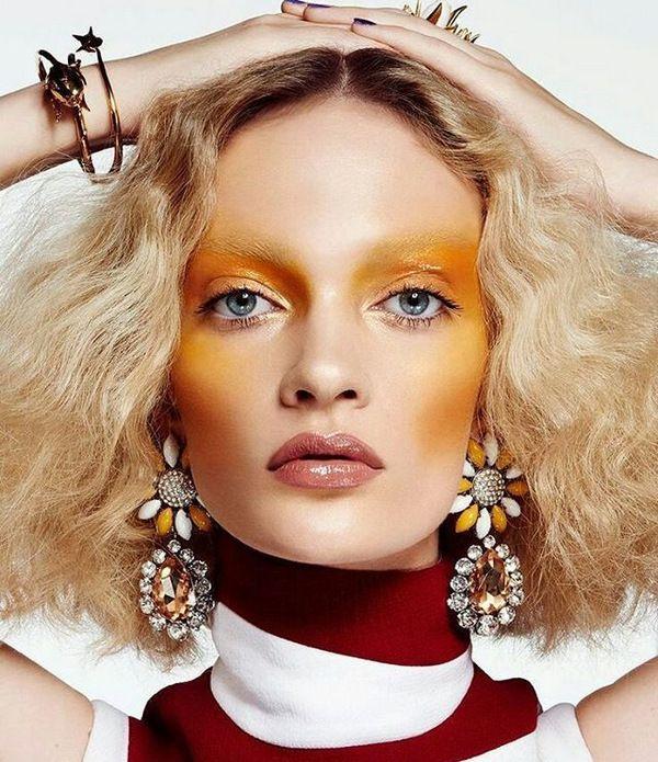 Желтые румяна в макияже, вот это да!