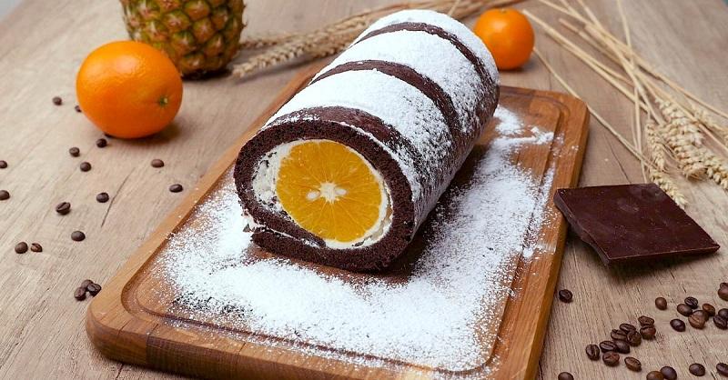 Шоколадный рулет с мандаринами