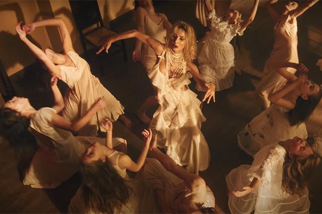Светлана Лобода примерила свадебное платье в клипе на новую песню moLOko Шоу-бизнес
