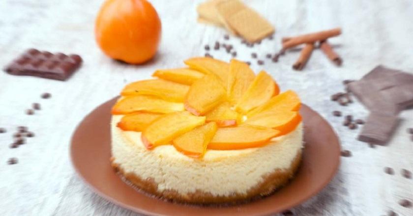 Творожный торт с хурмой: нарядный десерт к пышному празднику