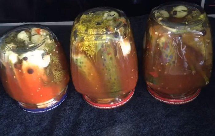 Огурцы в кетчупе на зиму