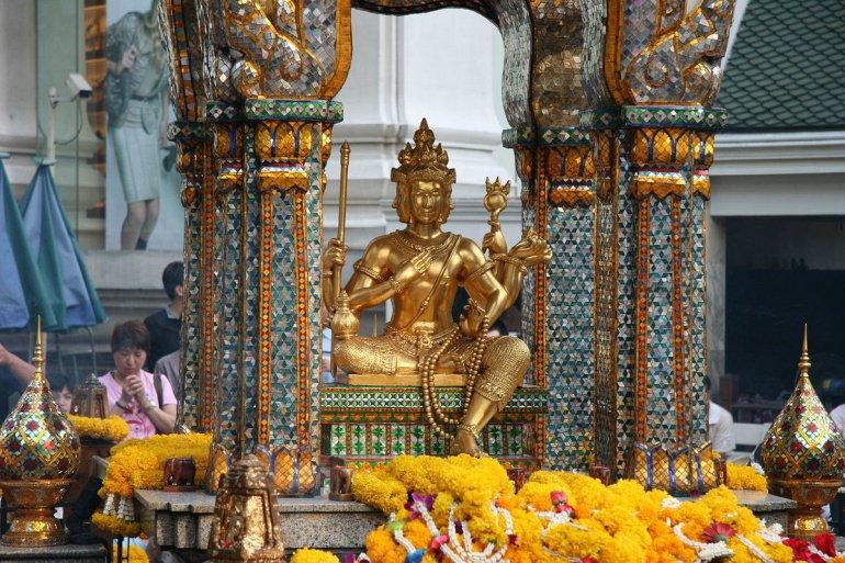 Достопримечательности планеты: алтарь Эраван в Бангкоке