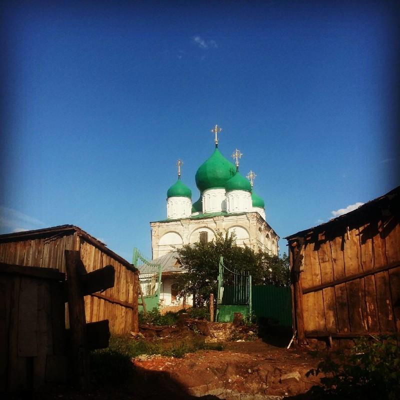 Арзамас: зато у нас есть церковь города, жизнь, контрасты, прикол, россия