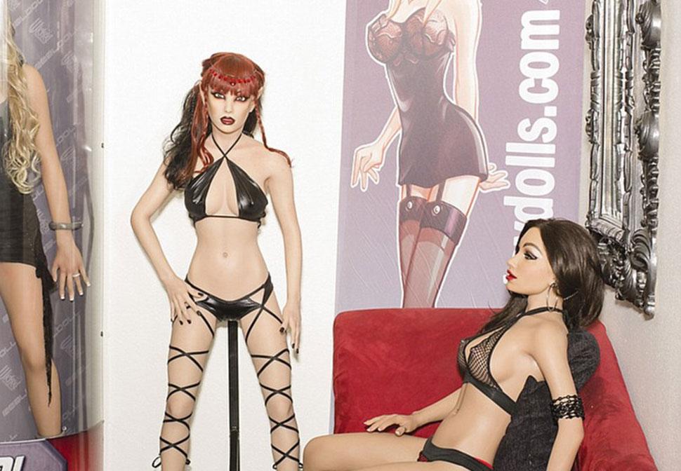 Что происходит в цехе по производству секс-кукол за 12 тысяч долларов