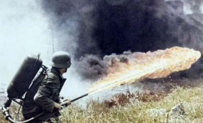 Немецкий огнемет Второй Мировой в действии вермахт