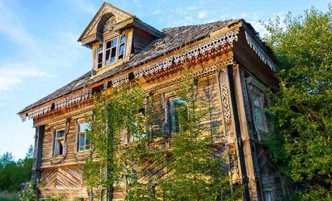 Как оформить на себя заброшенную недвижимость: эксперты рассказали о законных методах