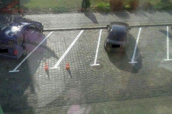 9. Видимо, для Смарта parking, авто, дебилизм, машины, парковка, смешно, ужасная парковка, фото