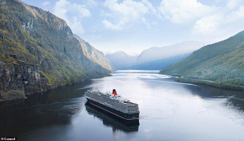 8. Судно Queen Victoria от компании Cunard Line проплывает норвежский Аурландс-фьорд. Лайнер длиной в 294 метра вмещает до 2061 пассажира и 981 члена экипажа красиво, красивые места, круиз, круизы, мир, паром, путешествия, фото