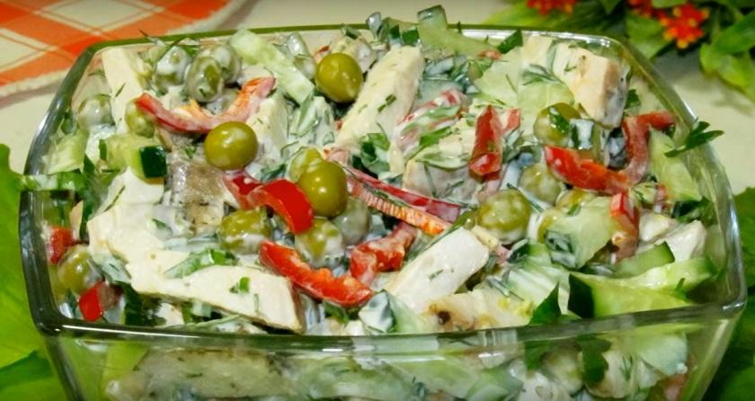 Салат с куриным филе на каждый день: простой, легкий и невероятно вкусный