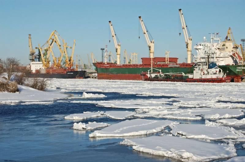Белорусские нефтепродукты пошли в российские порты